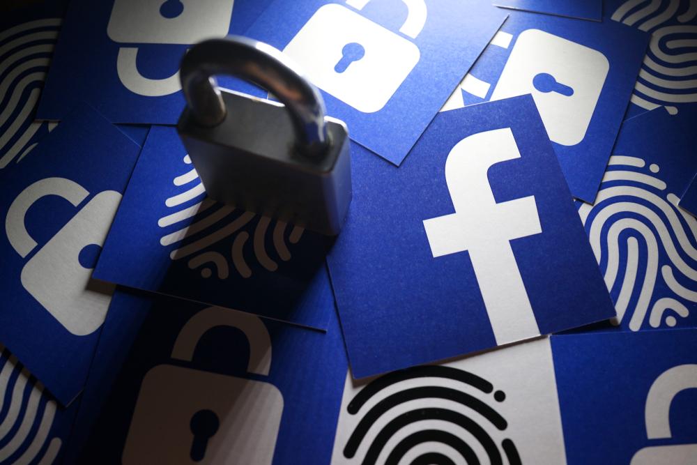 Facebook logos and a padlock
