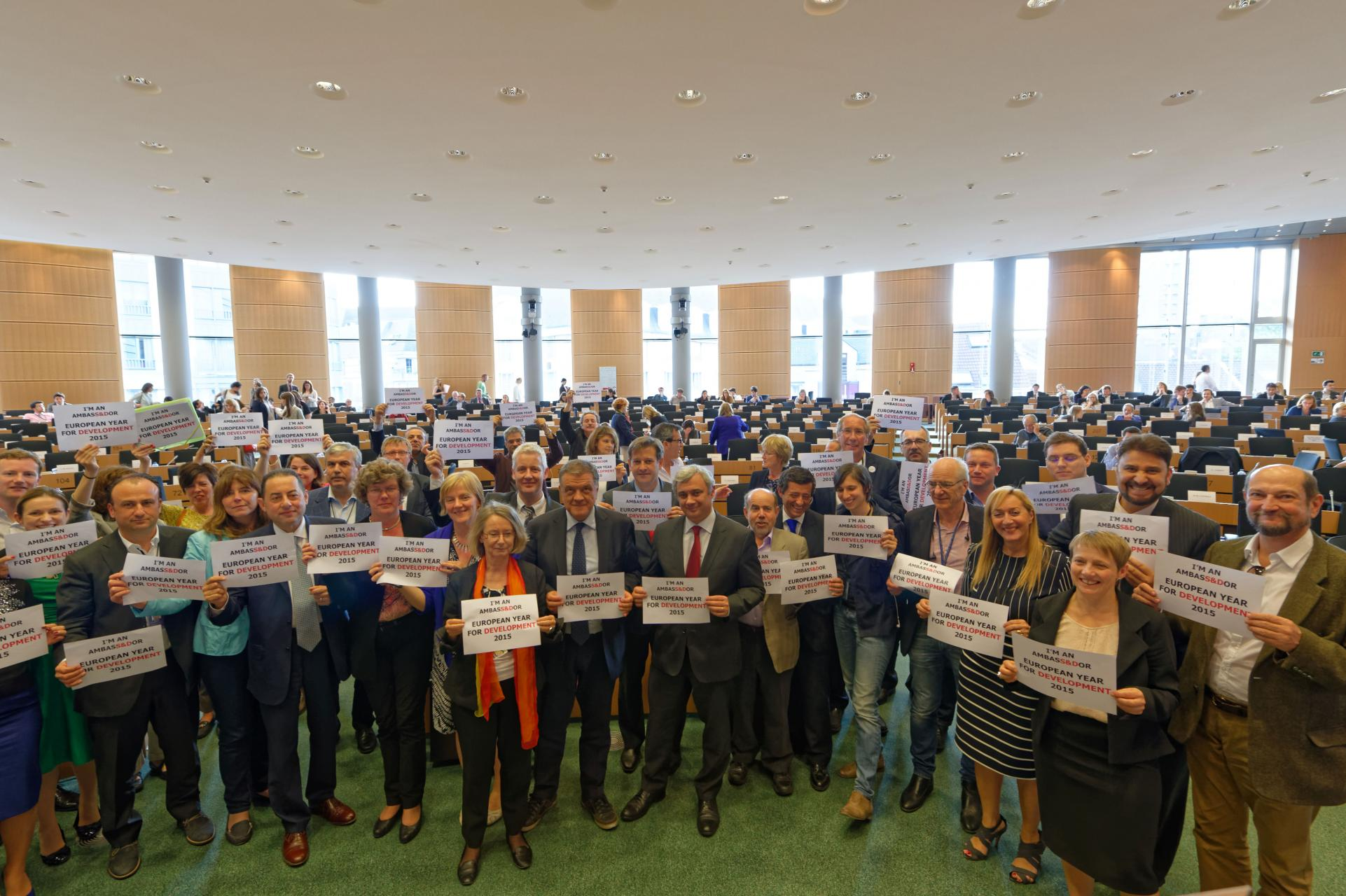 S&Ds supporting European Year of Development - 2015