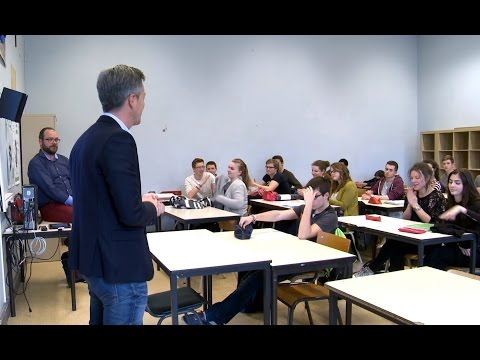 Embedded thumbnail for Learning EU at school to strengthen European Citizenship (EN/FR)